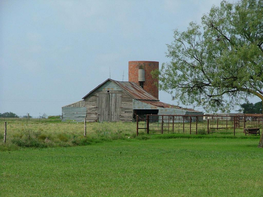 Http Www Foundmyself Com Rustic Images Art Old Country Barn And Silo 23211