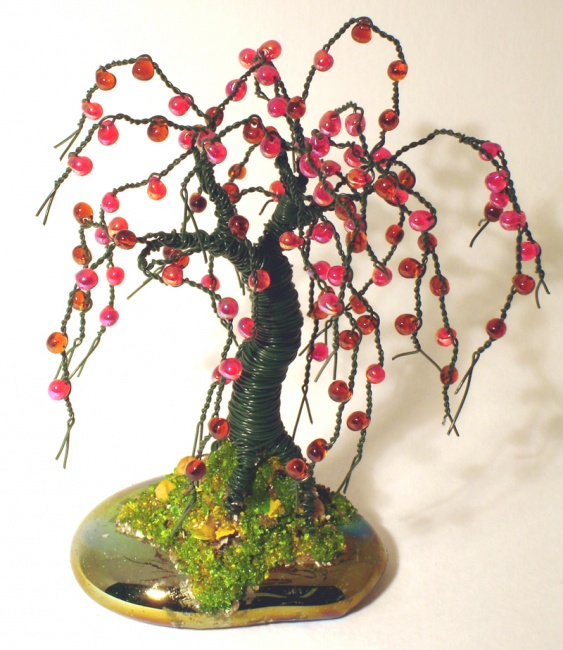 Small Apple No.2 - Beaded Wire Tree Sculpture, by Sal Villan