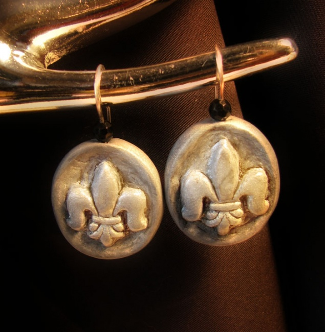 Fleur de lis fimo earrings