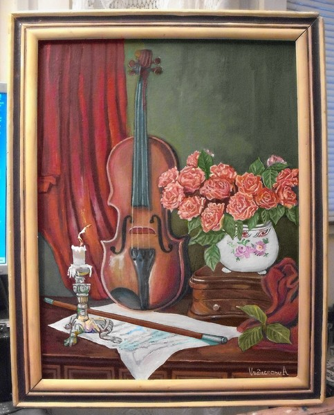Decor with violin and roses part2